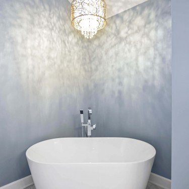 free standing tub installed by bathroom remodeling contractor