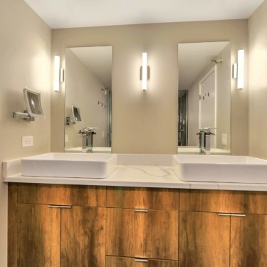 chicago bathroom remodeling contractor showcases modern vanity and styling